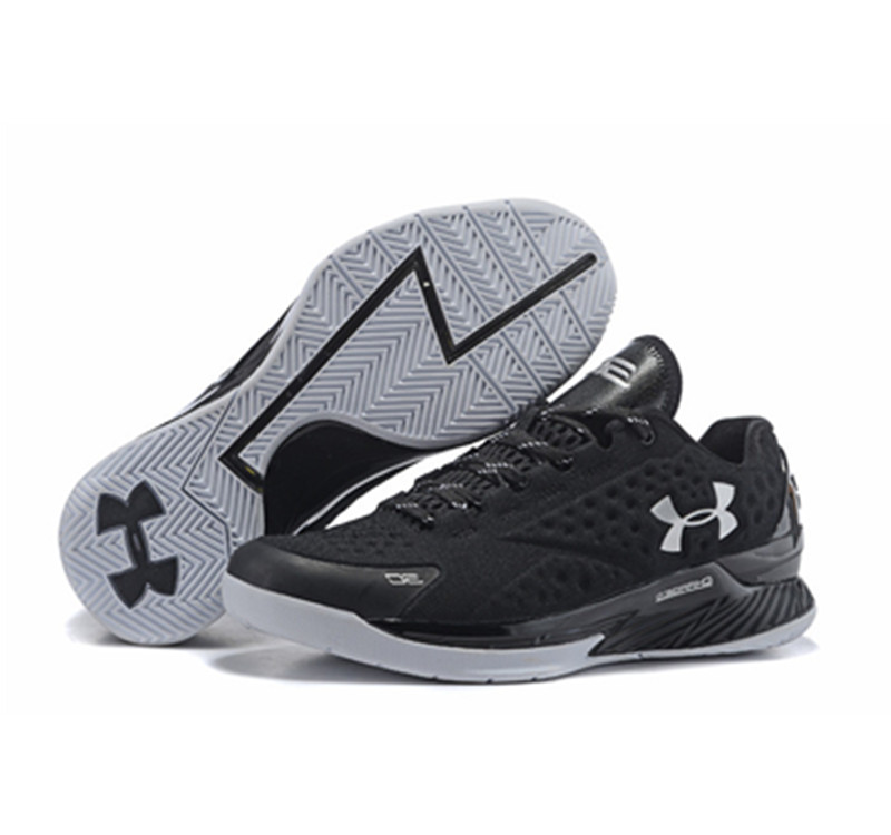 Under Armour ClutchFit Drive Low Stephen Curry Shoes Black